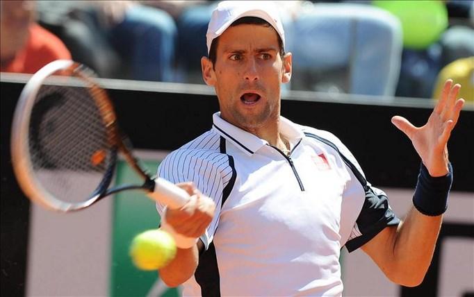 El tenista serbio Novak Djokovic, durante el partido de cuartos final del Masters 1000 de Roma. EFE