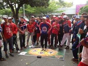 """Seguidores del Deportivo Independiente Medellín participan en  """"El hincha con más aguante""""."""
