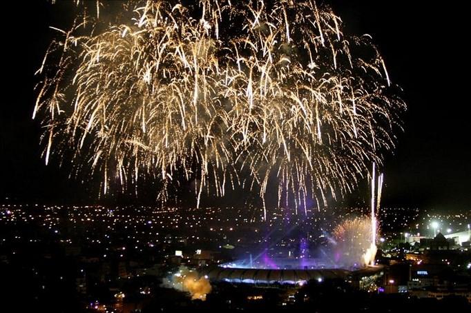 Vista general del espectáculo de juegos pirotécnicos durante la inauguración de los IX Juegos Mundiales, en el estadio Olímpico Pascual Guerrero de la ciudad de Cali (Colombia). EFE
