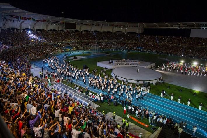 La delegación de deportistas de colombia se presentan en el Estadio Pascual Guerrero durante la inauguración de los Juegos Mundiales 2013 de Cali, Colombia, jueves 25 de julio 2013.