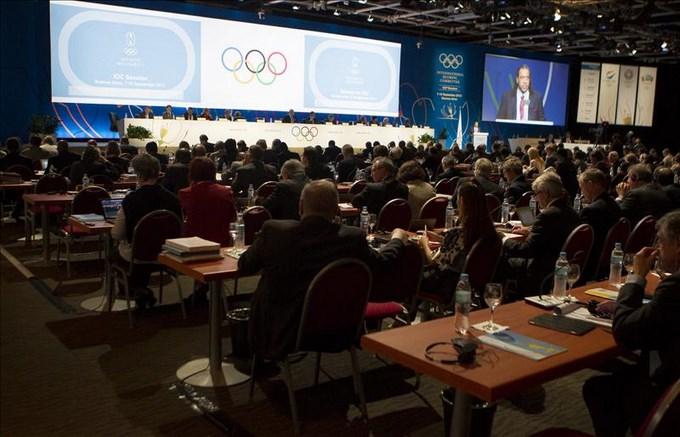 Fotografía tomada este 9 de septiembre en la que se registró una panorámica de la Sesión 125 del Comité Olímpico Internacional (COI), en el hotel Hilton de la ciudad de Buenos Aires (Argentina), donde se elige al nuevo presidente de la entidad. EFE