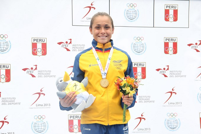 Carolina Murillo Oro en Suramericano Perú. Federación Col. Natación.