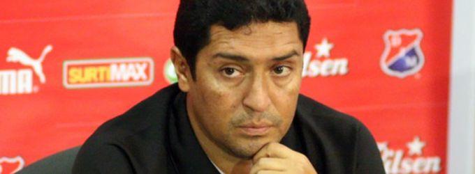 El bajo rendimiento del Medellín cobra su priemra víctima, el DT Oscar Pérez