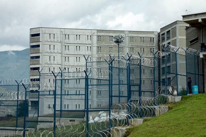 Conjunto Penitenciario y Carcelario de Medell%C3%ADn El Pedregal Copiar