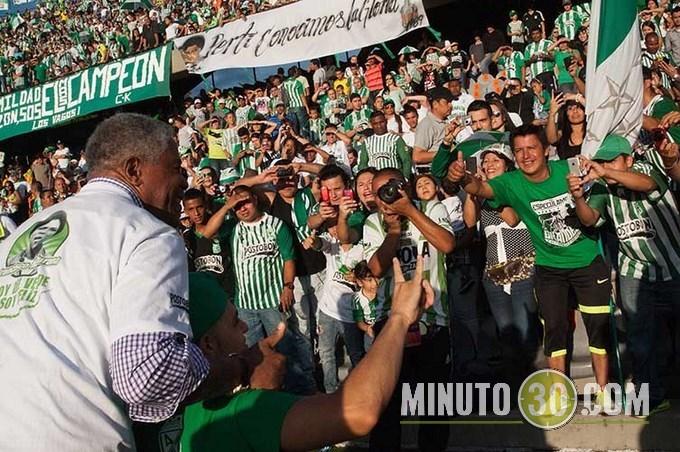 """""""Pacho"""" Maturana fue homenajeado en el Día del Hincha Verde"""