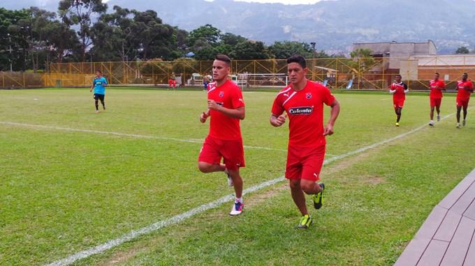Pedro Sarmiento cambiara su modulo táctico y tendrá según los entrenamientos de la semana un 4-4-2 para enfrentar al Deportivo Cali.