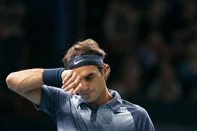 Djokovic, primer finalista en Bercy tras vencer a Federer.