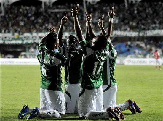 jugadores del Deportivo Cali festejan. EFE