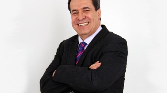 Edgar Artunduaga nuevo