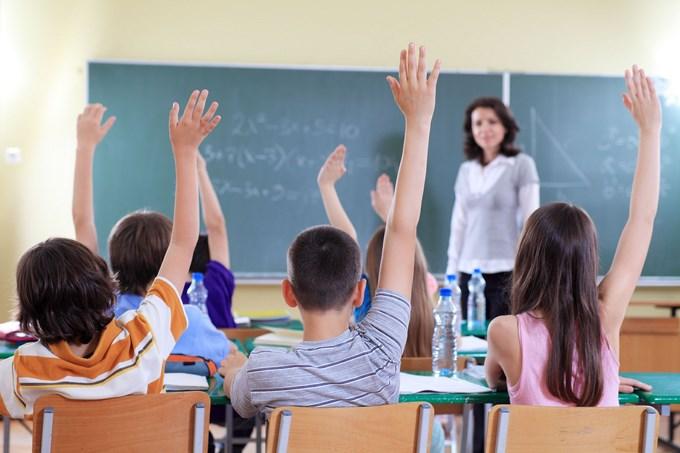 Salon de clases Estudiantes de Lawrence y Fall River tendr%C3%A1n 300 horas de clases m%C3%A1s Copiar