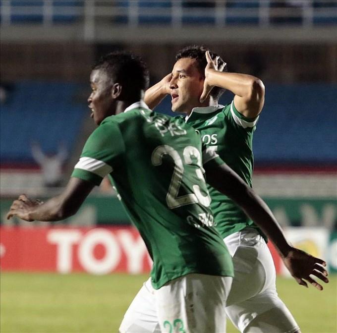 El jugador Nestor Camacho (d) del Deportivo Cali. Foto EFE/Archivo