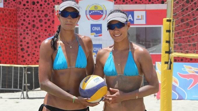 Andrea y Claudia Galindo Copiar1