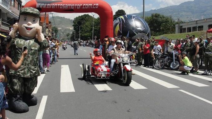 Desfile Motos 2013 1 Copiar1