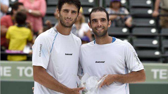 Los tenistas colombianos Juan Sebastián Cabal (i) y Robert Farah (d). EFE