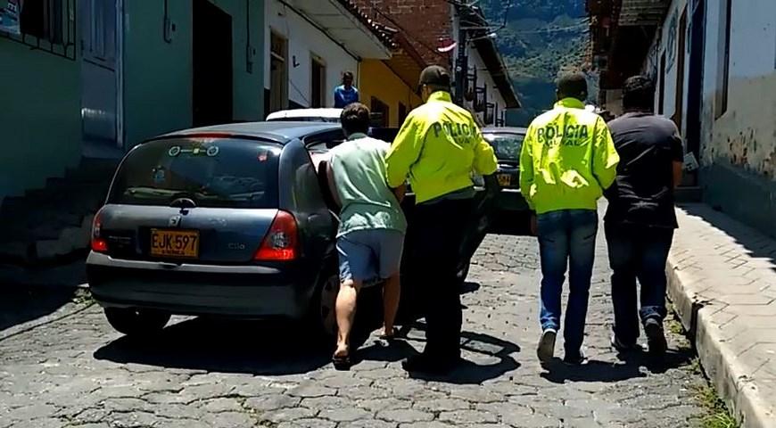 Momento de las capturas. Foto: Policía Metropolitana.
