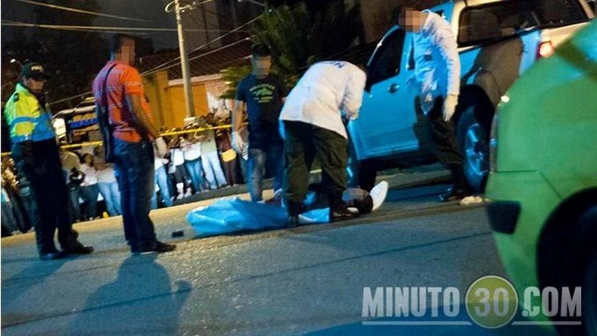 Momento en el que se realizó la inspección del cadáver de Yamil Arcángel Grisales Ossa el 1 de febrero de 2014. Foto: Archivo