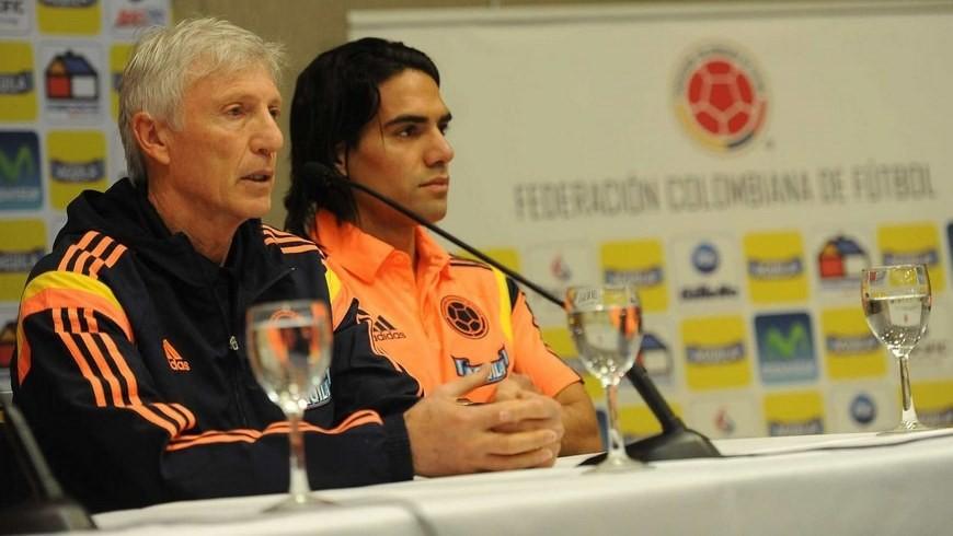 En la imagen, el seleccionador de Colombia, José Pekerman (i), junto al delantero Radamel Falcao (d). EFE.