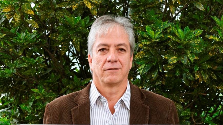 Pedro Uribe Copiar