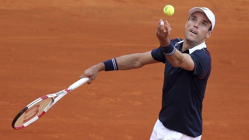 El tenista español Roberto Bautista, durante el partido de tercera ronda del torneo de Montecarlo disputado ante el checo Tomas Berdych en Roquebrune Cap Martin, Francia, hoy, 15 de abril de 2015. EFE