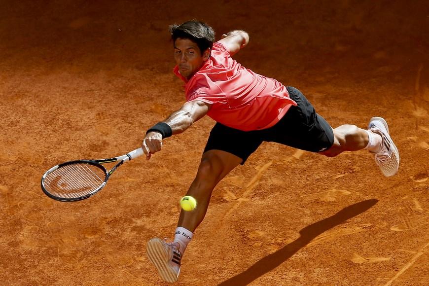 El tenista español Fernando Verdasco, durante el partido frente a su compatriota David Ferrer, correspondiente a la tercera ronda del torneo de tenis de Madrid que se disputa en la Caja Mágica. EFE/JuanJo Martin.