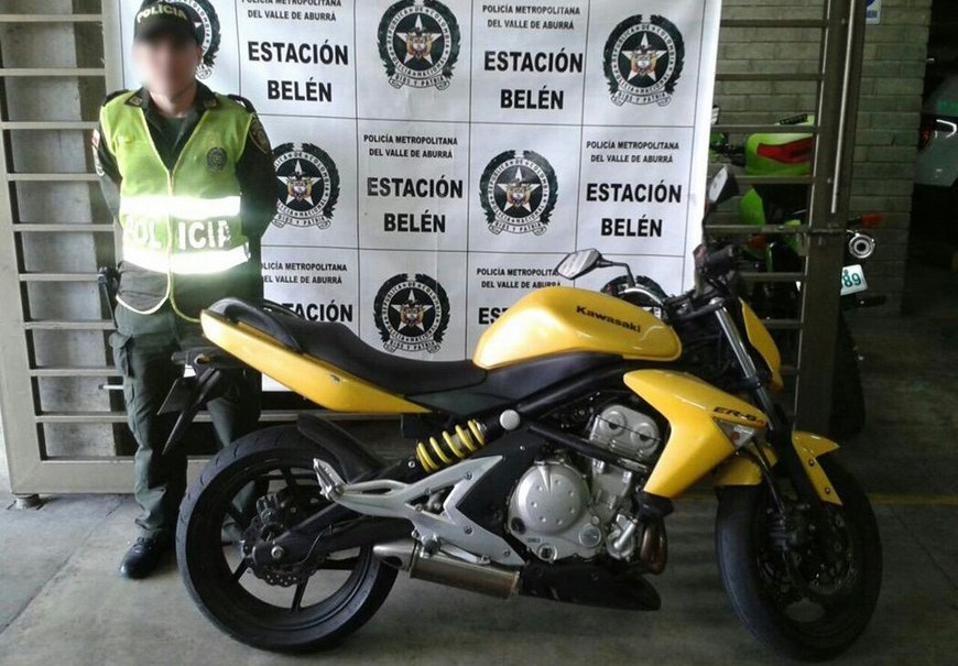 Moto Kawasaki ER-650 recuperada en el Barrio Trinidad. Foto: Secretaría de Seguridad.