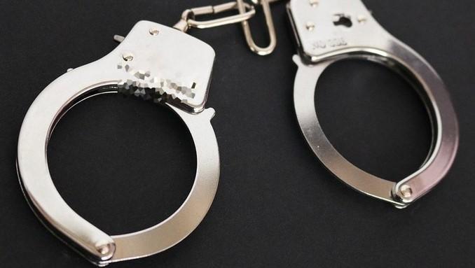 condena, captura, esposados, detenidos