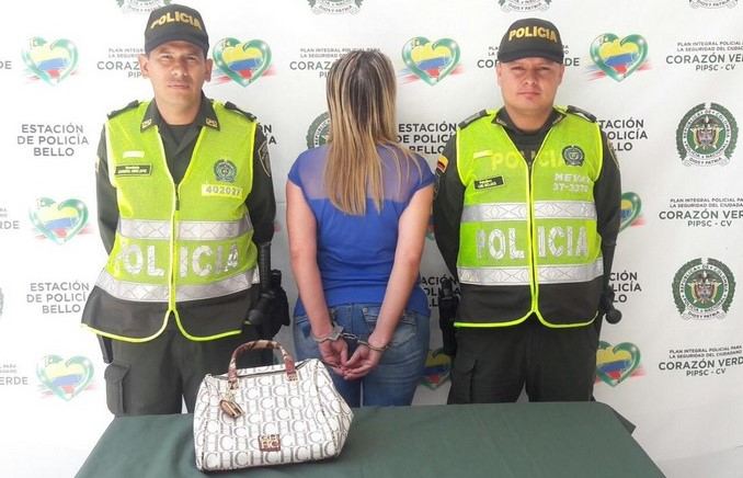 Se robó un bolso en Bello.