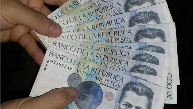 Billetes falsos.