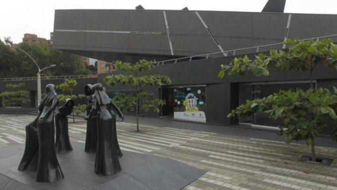 Cursos y talleres gratis en la Escuela Superior Tecnológica de Artes Débora  Arango   Minuto30.com