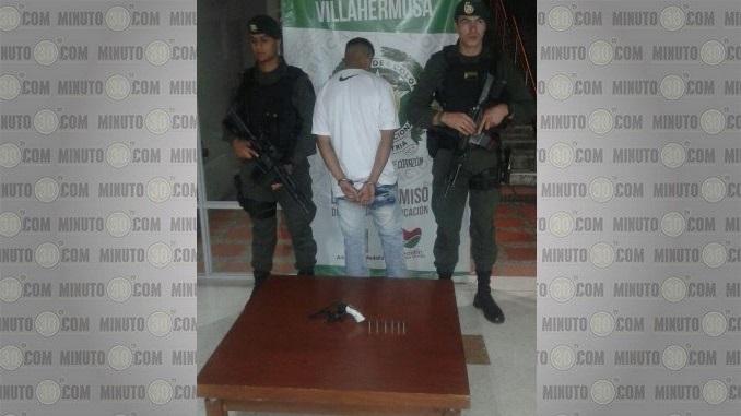 Lo capturaron y le incautaron un revólver en Villatina.