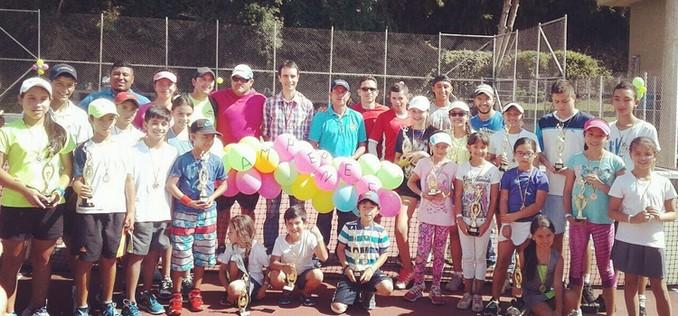 ninos tenistas Copiar