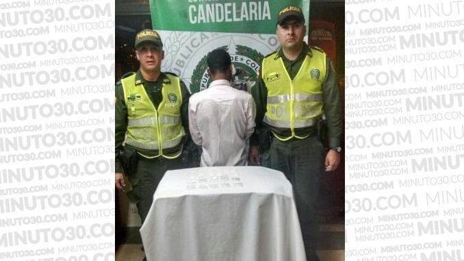 Presuntos expendedores de droga capturados en el centro.