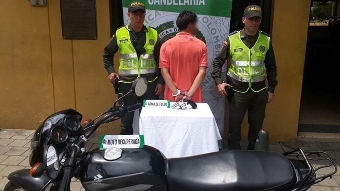 Capturado cuando robaba una moto.