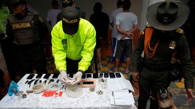 Operativo en cárcel de Barbosa.