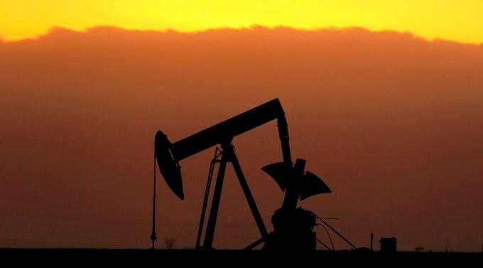 Hacia las 09.05 hora local (13.05 GMT) el petróleo Texas cotizaba a 48,83 dólares el barril en la Bolsa Mercantil de Nueva York (Nymex). EFE/Archivo