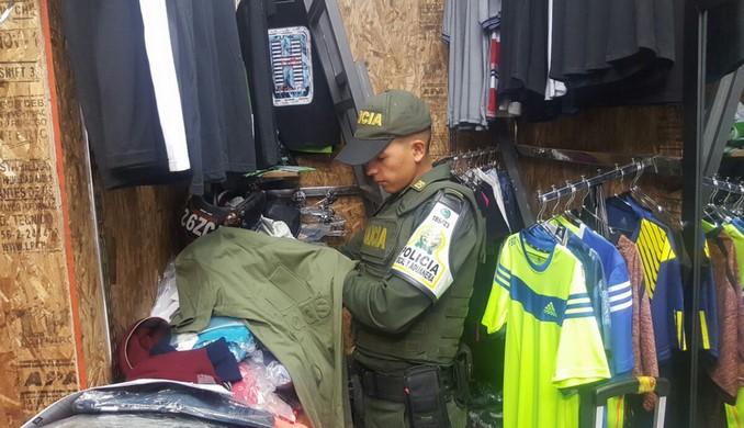 Autoridades incautaron una gran cantidad de elementos de contrabando en Medellín