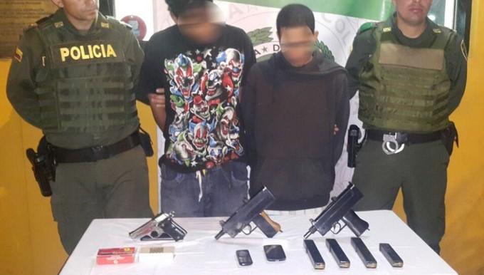 Capturados con armas en barrio Aures de Medell%C3%ADn 1 Copiar