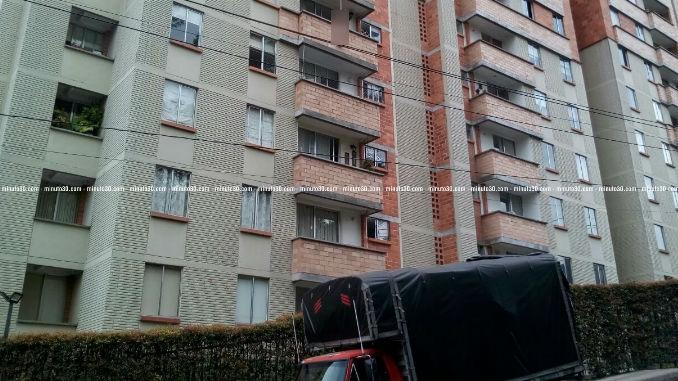 Edificio_Loma_de_Los_Bernal