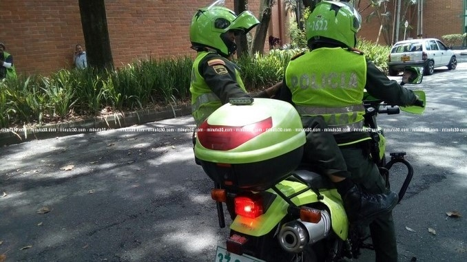 Policias_atraco_CarlosE_Restrepo_2