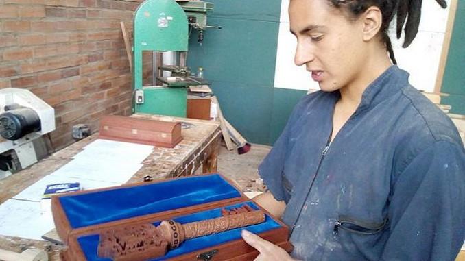 Con madera del Bronx, así fabricaron la llave de la ciudad que será entregada al papa Francisco