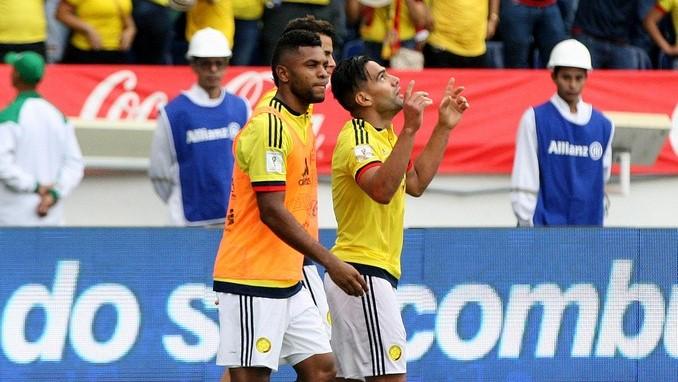 Falcao celebra gol ante Brasil 2