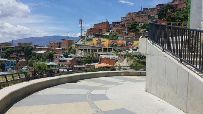 Espacios publicos Robledo y San Javier 1