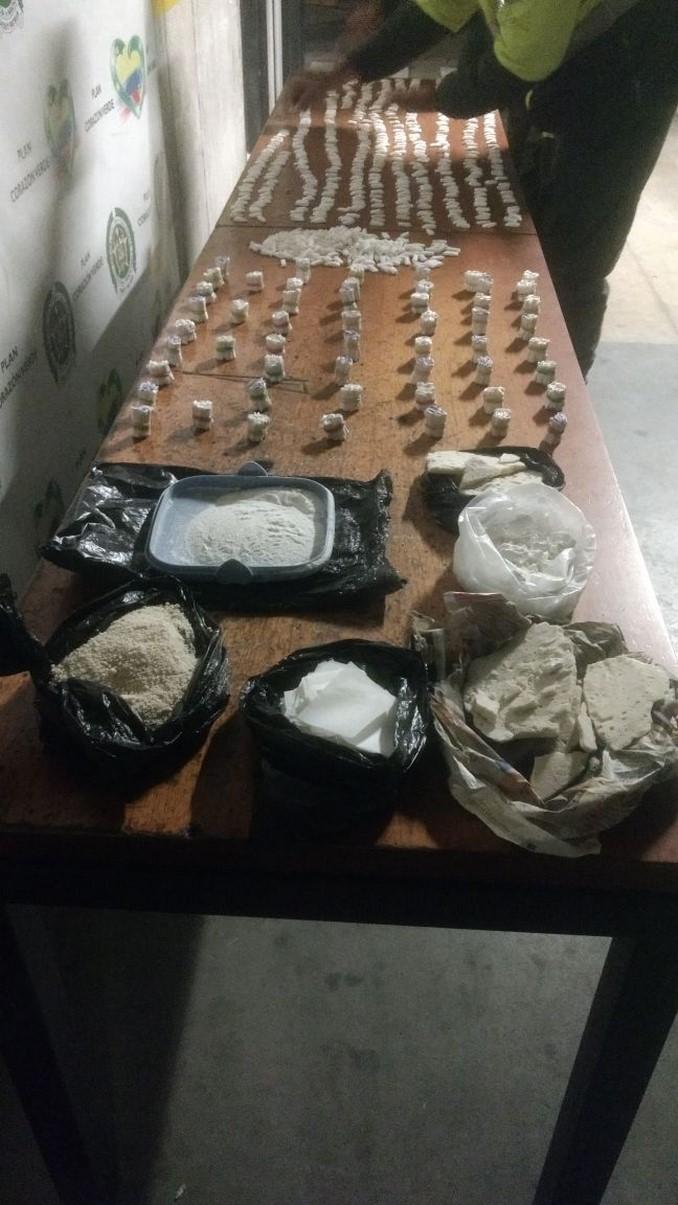 Policías hallaron 4.000 gramos de base de coca en plena vía pública del barrio Buenos Aires