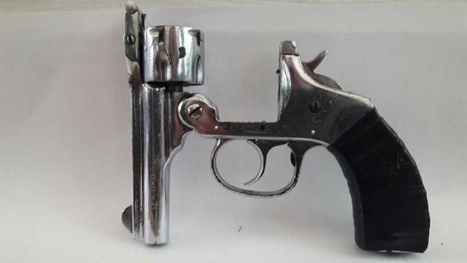 capturado revolver 2