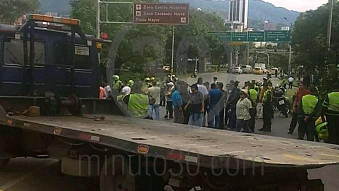 Taxitas en la manifestación denuncian que no los dejan pasar hacia La Alpujarra