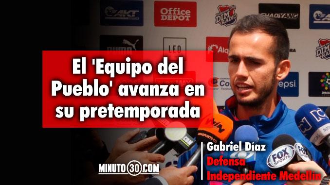 678 Gabriel Diaz presto a contribuirle al Medellin en dos posiciones