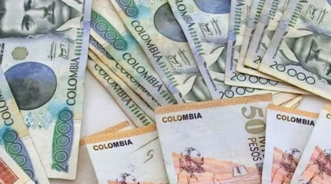 pesos colombianos dinero Copiar