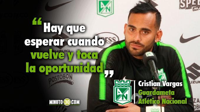 678 Cristian Vargas a la espera de una nueva palomita en la titular
