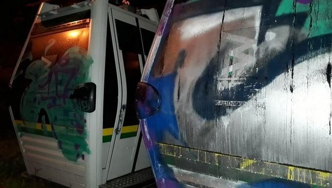 Cabinas metro grafiti