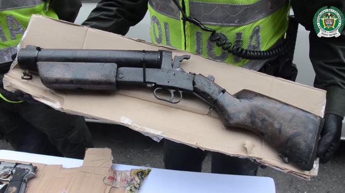 fUSIL 25 personas fueron capturadas y m%C3%A1s de 20 armas de fuego incautadas en Bel%C3%A9n Comuna 13 y Robledo 1